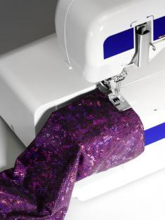 Elna 434 Cover Stitch Machine Free Arm