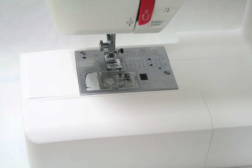 Janome DC2015 Sewing Machine - Needle Plate Area