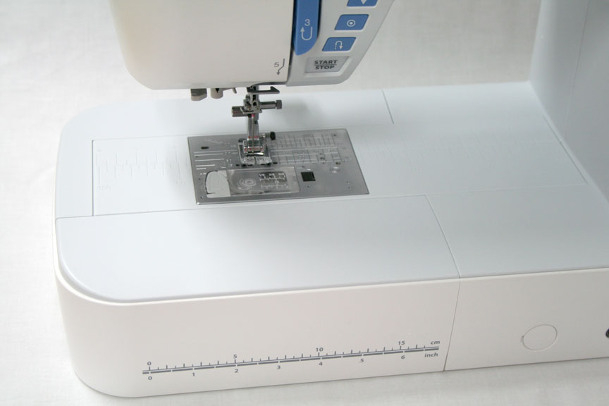 Janome Skyline S5 Sewing Machine - Needle Plate Area