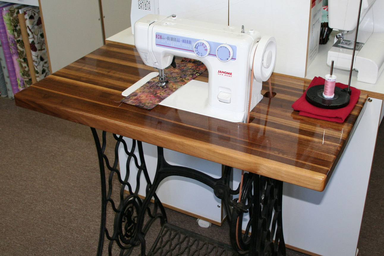 Janome 712T Sewing Machine Table #2