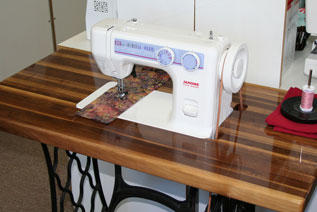 Genial Janome 712T Treadle Sewing Machine Table